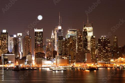 Fotobehang Volle maan The Mid-town Manhattan Skyline