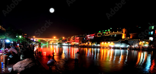 Photo sur Toile Pleine lune night scenery of the Phoenix Town in China