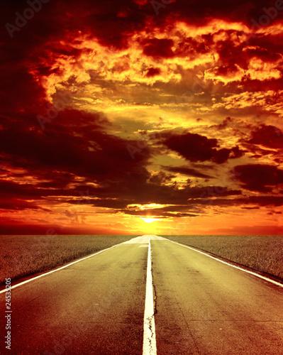 Photo sur Toile Rouge mauve Old road