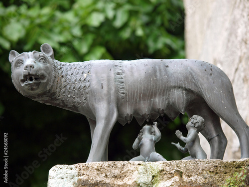 Fototapeta a she-wolf suckling the infants Romulus and Remus. Chiusi
