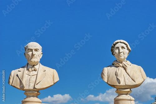 Fényképezés  busti di marmo