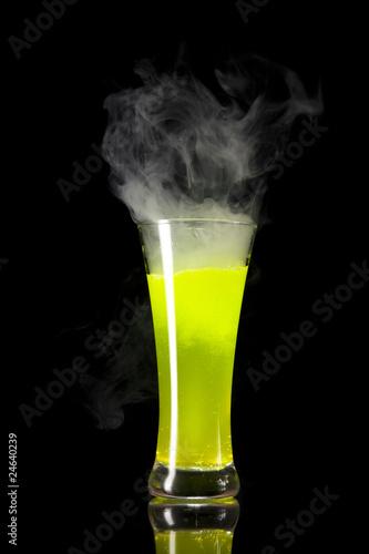 zolty-radioaktywny-alkohol