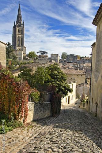 Stampa su Tela Cobbled Street of Saint Emilion - A Unesco World Heritage Site.
