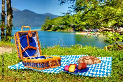 Keuken foto achterwand Picknick bavarian outdoor picnic