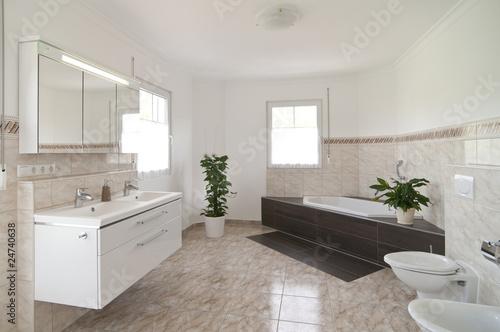 Foto  Modernes Badezimmer