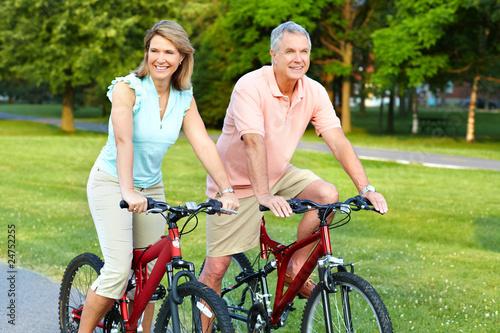 Plakaty o zdrowiu   para-starszych-kolarstwo