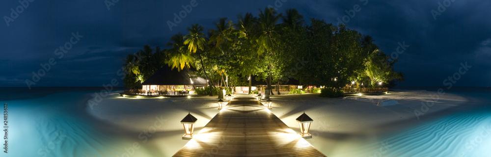 Fototapeta Ihuru Island panoramic view by night