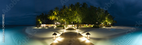 Fotografia  Ihuru Island panoramic view by night