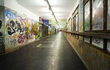 Tunnel D'accessso Alla Metropolitana
