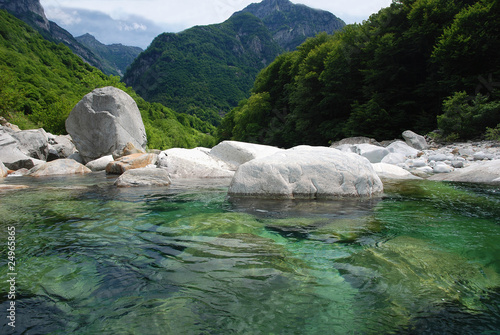 Fotografering  Panorama des Verzasca-Tales