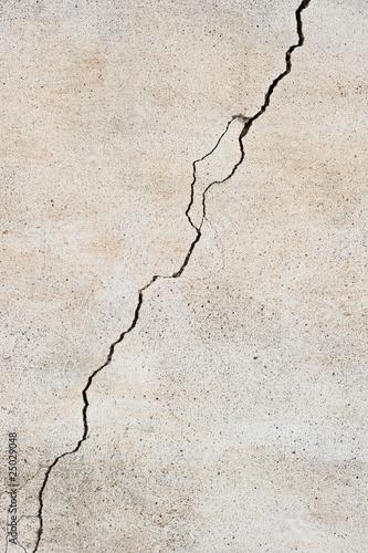 Fotografía  Crack in the wall I