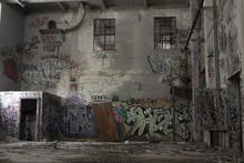 Urban Decay: Graffiti In An Ab...