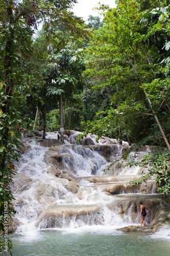 Fotografie, Obraz  Woman On Dunn's Falls Jamaica