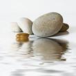 galets zen, sur l'eau
