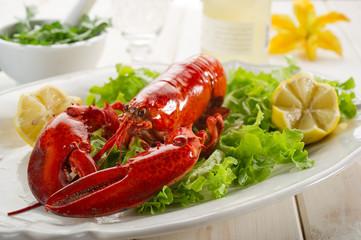 Panel Szklanywhole lobster with salad - aragosta e insalata