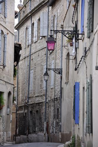Photo ruelle arlésienne