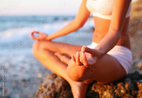 Keuken foto achterwand Ontspanning Meditation on the beach