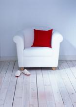 Weisser Sessel