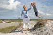 canvas print picture - mit Mama springen