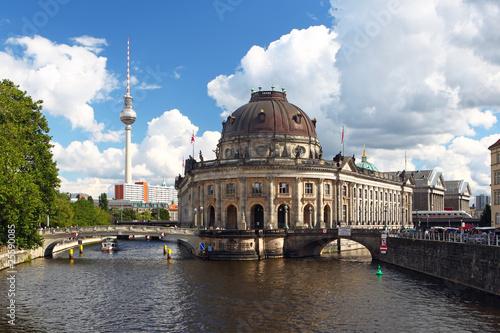 Keuken foto achterwand Berlijn Berlin Mitte Bodemuseum mit Frensehturm an der Spree