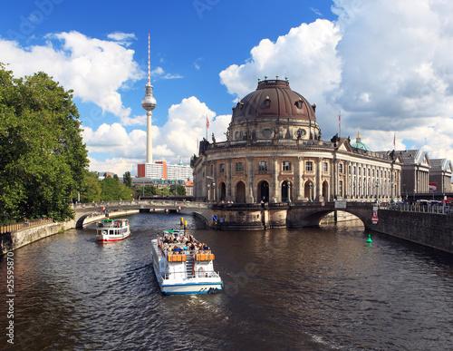 Photo  Berlin Tourismus vom Ausflugsboot aus