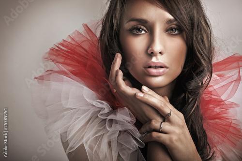 Cuadros en Lienzo Portrait of a cute brunette