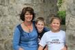 Mutter mit ihren zwei Buben