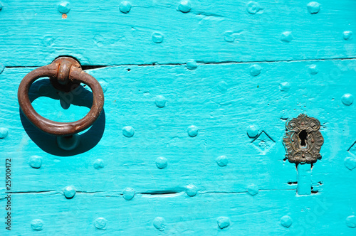 Papiers peints Turquoise porte colorée