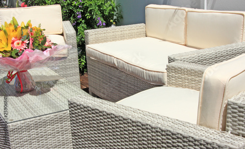 Fauteuils Et Table De Salon De Jardin En Raphia Synthétique