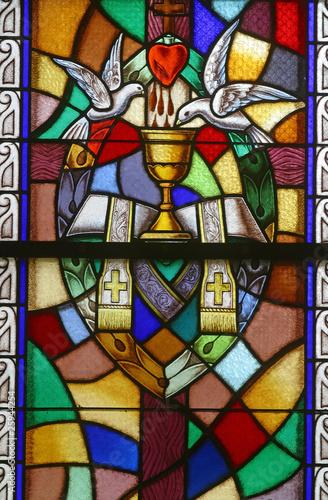 swiecenia-kaplanskie-siedem-sakramentow-witraze