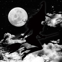 Strega Volante Con Luna