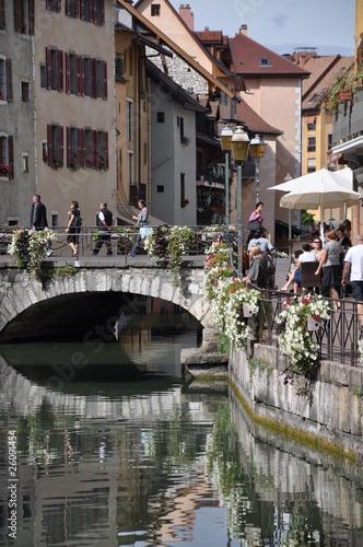 Papiers peints Ville sur l eau canal d'annecy