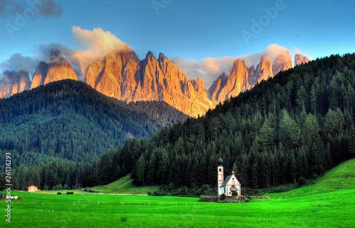 Fotografie, Obraz  la chiesa di ranui e le odle al tramonto