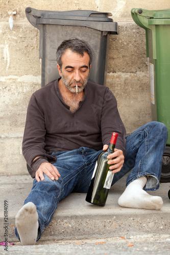 pijany-hobo-na-ulicy