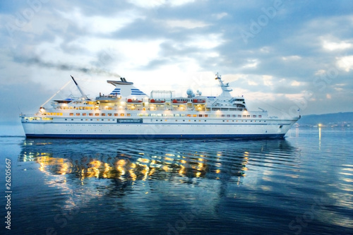 Fotomural barco de pasajeros, cruceros