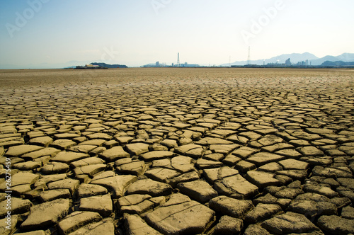 Fényképezés  乾燥した大地と煙突