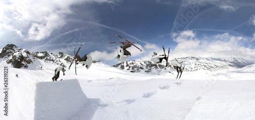 Fényképezés Freeskiing in snowpark
