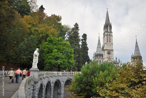 En montant à la chapelle de Lourdes Poster