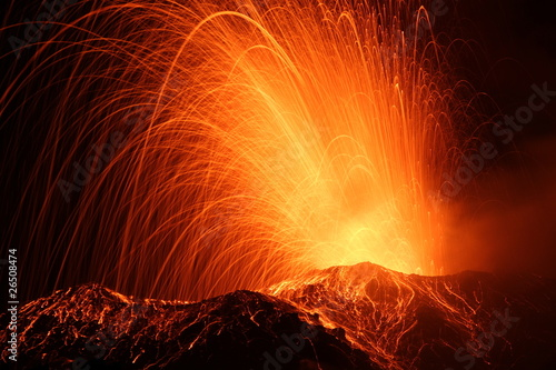 Photo sur Toile Volcan eruption of the volcano stromboli