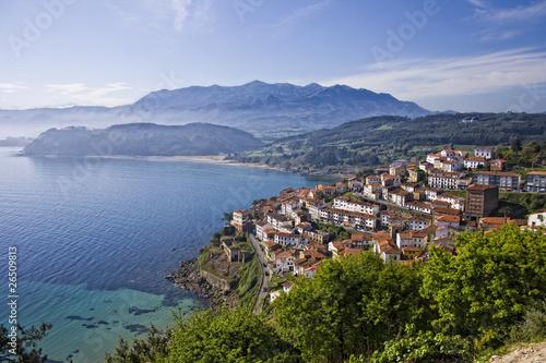 Lastres y la costa asturiana