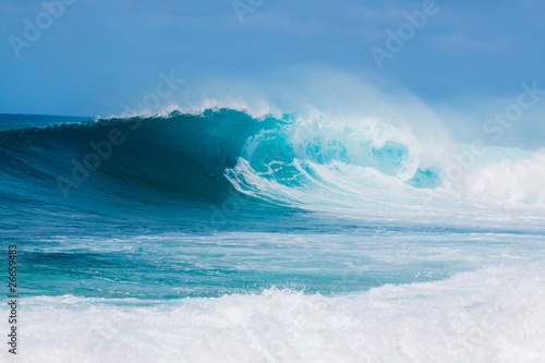 Printed kitchen splashbacks Water Breaking Waves