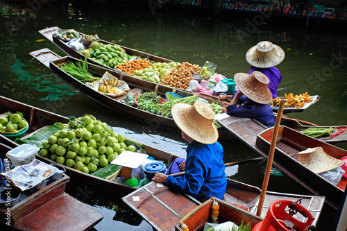 Photo  Floating Market in Thailand