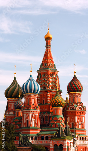 Foto op Plexiglas Bedehuis Domes of the famous Head of St. Basil's Cathedral on Red square,