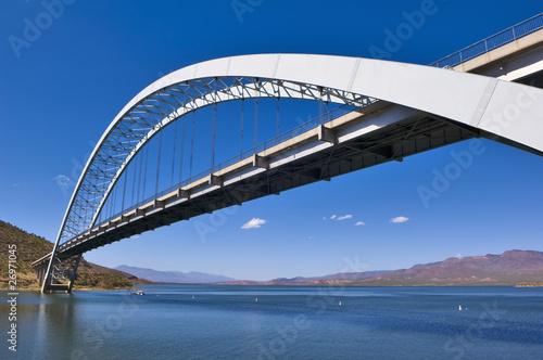 Deurstickers Australië Roosevelt Lake Bridge Arizona