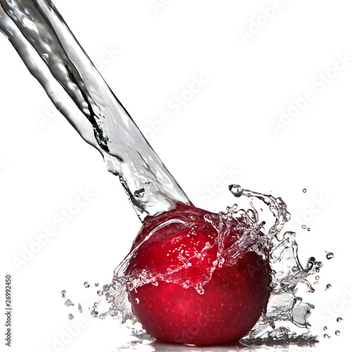 Spoed Foto op Canvas Opspattend water Red apple and water splash isolated on white