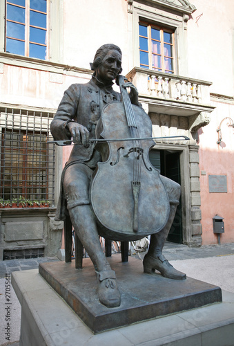 Photographie  Statue of Luigi Boccherini