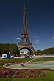 Fototapeta Wieża Eiffla - Wieżaz fontanną