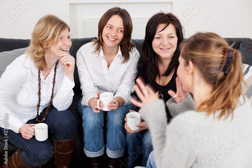 Fotografie, Obraz  freundinnen auf dem sofa