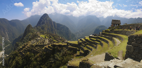 Panoramana of Machu Picchu, Guard house and Wayna Picchu