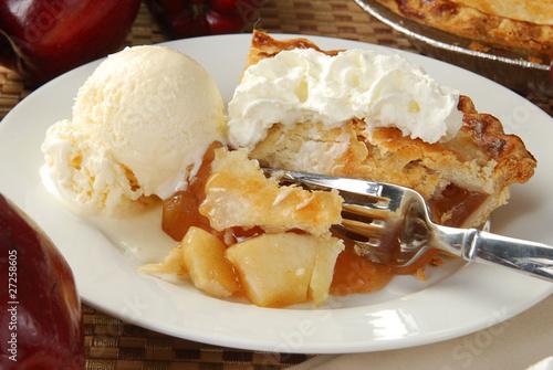 Photo  Apple pie and ice cream